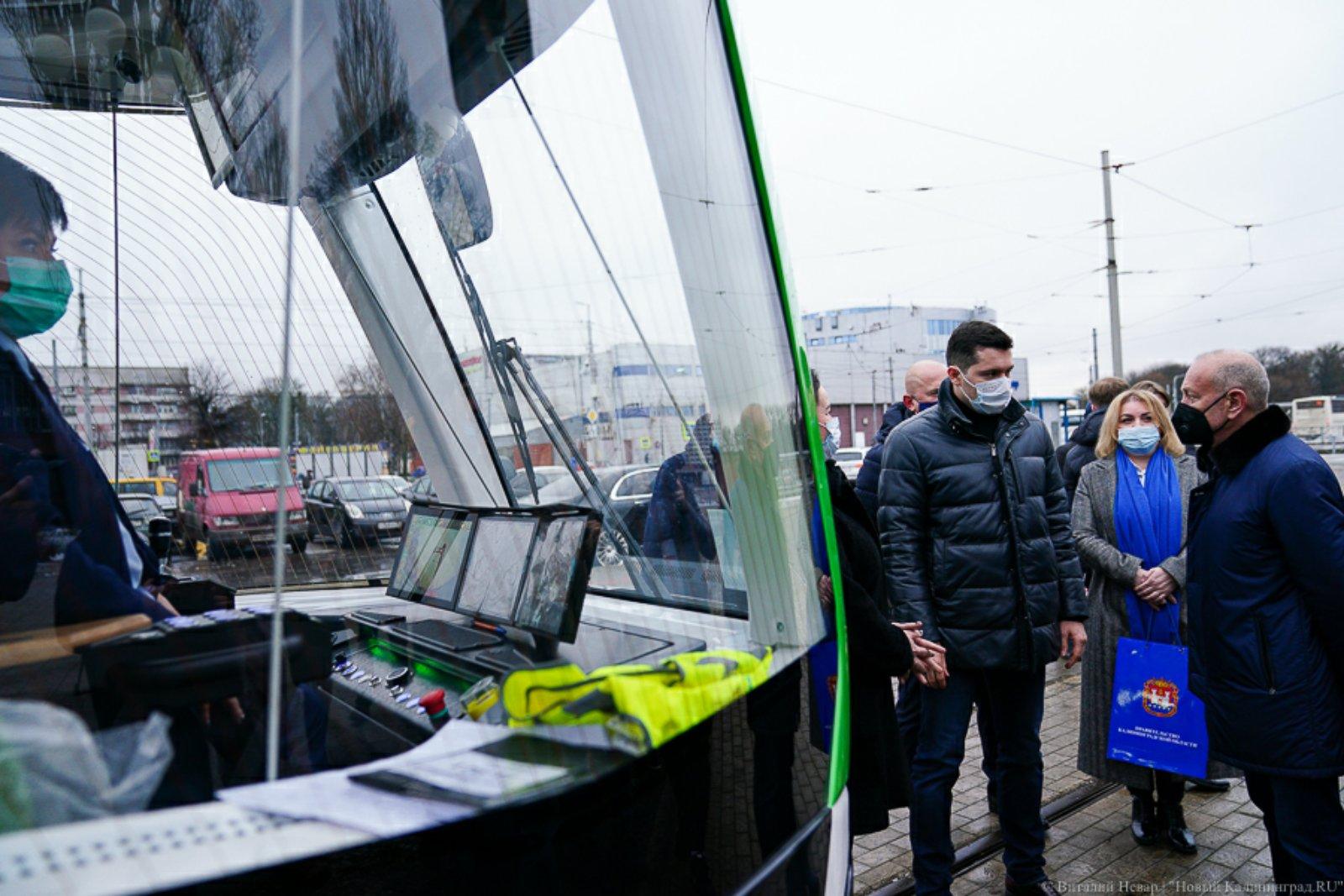 Вручен Cертификат о запуске трамвайного вагона 71-921 «Корсар»