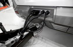 Подсоединение модульной зарядки к электробусу