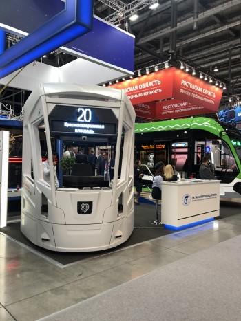 """Модульная кабина водителя трамвайного вагона """"Витязь-Москва"""" на выставке """"Иннопром"""""""